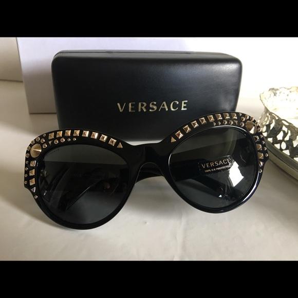 6b73902fea9fd Versace Sunglasses Mod 4269. M 5b902bacd365be2e0cd3ba0a